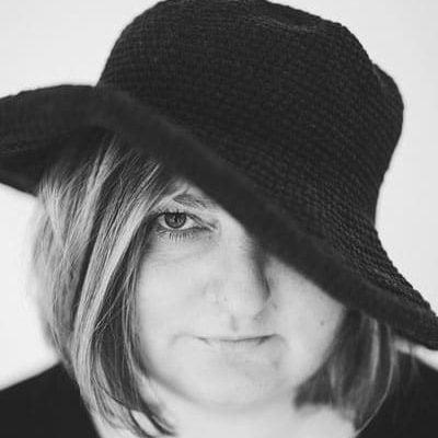 Mirella Pejcic författare trinambai sverige bokförlag